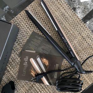 LumaBella Makeup - BRAND NEW LumaBella Keratin Dual Touch Styler